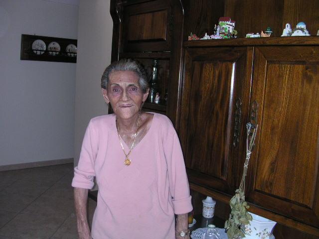 Madame Lucienne ARRIGHI, chez elle